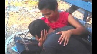 Hot desi sex mms of mumbai girl in outdoor park