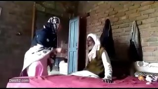 Hot pakistani karachi girl quick fuck with uncle