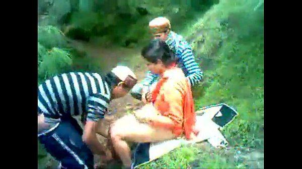 Himachal village bhabhi desi outdoor sex with local boy