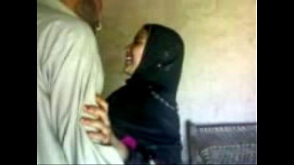 Agra muslim girl first time xnxx homemade sex with lover hidden cam sex mms