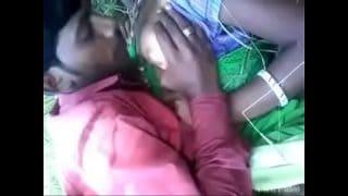 Indian village bhabhi outdoor xnxx free porn sex with boyfriend