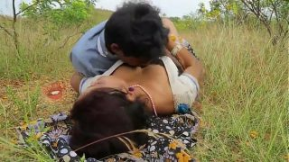 Public place desi village bhabhi xxx outdoor sex