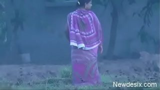 Hot desi aunty living next to my place xnxx pee video