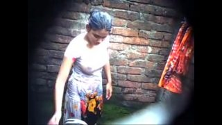 Bangladeshi shameless village hot cousin bathing outdoor