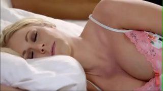 Big boobs sleeping mom xxx hot sex video